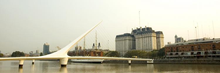 Navigation sur la rivière de Plata en voilier