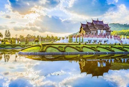 Aux confins du Siam : merveilles d'un royaume enchanteur