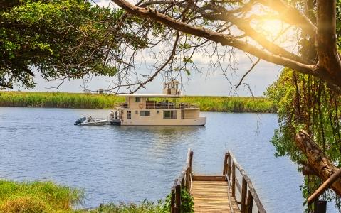 activity  La croisière Okavango delta sur le Houseboat