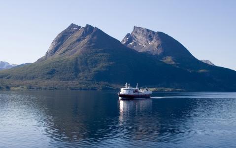 activity Croisière sur l'Hurtigruten