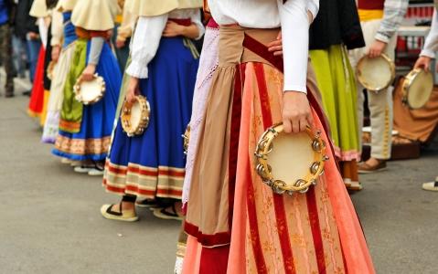 activity Show folklorique dans une médersa