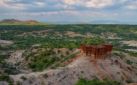 activity Trek dans les gorges d'Olduvai