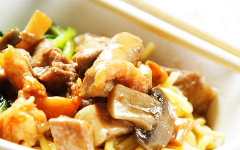 activity Cours de cuisine khmère à l'école Paul Dubrule