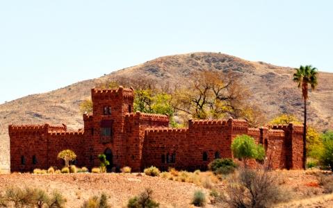activity Duwisib Castle