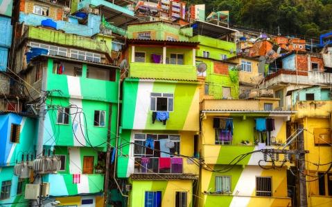 activity Les Favelas du Brésil