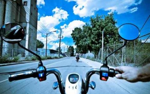 activity Visite guidée privée de Montréal en scooter électrique en français