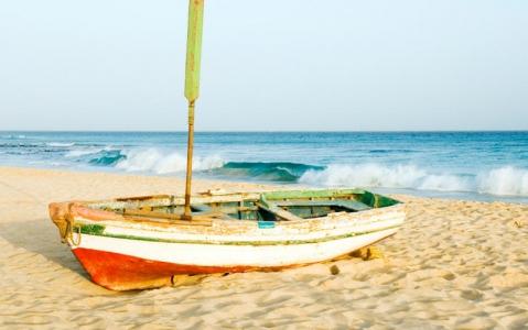 activity Pêche de fond à bord d'une barque de pêcheur capverdien