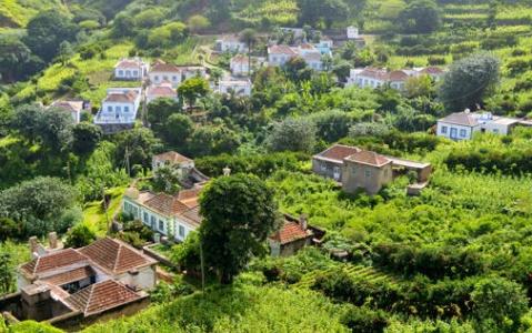 activity Ascension du Pico Pequeno et dégustation de vin