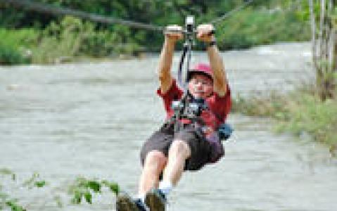 activity Canopy Tour au dessus du Rio Juramento