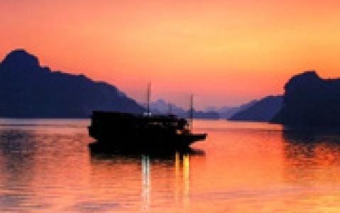 activity Croisière et Nuit sur votre jonque en baie d'Halong