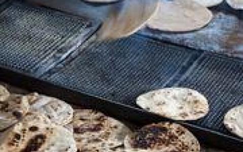 activity Visite du bazar et découverte des échoppes de snacks indiens