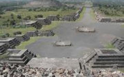 activity Chichen Itza et Valladolid, de l'époque précolombienne à l'époque coloniale