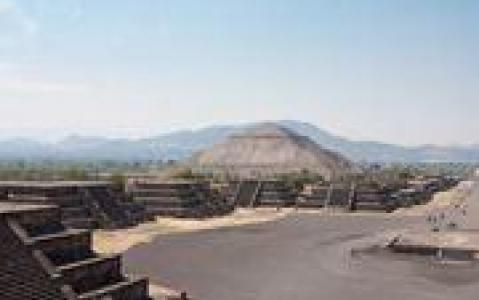 activity Découverte de la Basilique et des fabuleuses Pyramides