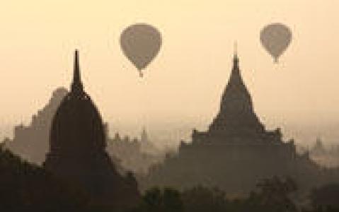 activity Survol du site de Bagan en montgolfière