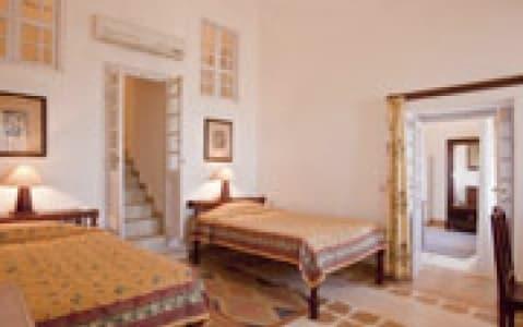 hotel Neemrana Fort - Neemrana