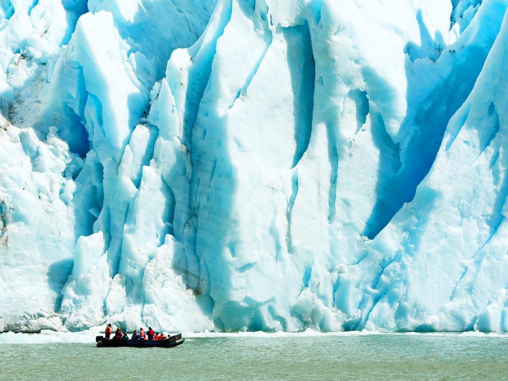 Navigation pour découvrir les glaciers Balmaceda et Serrano
