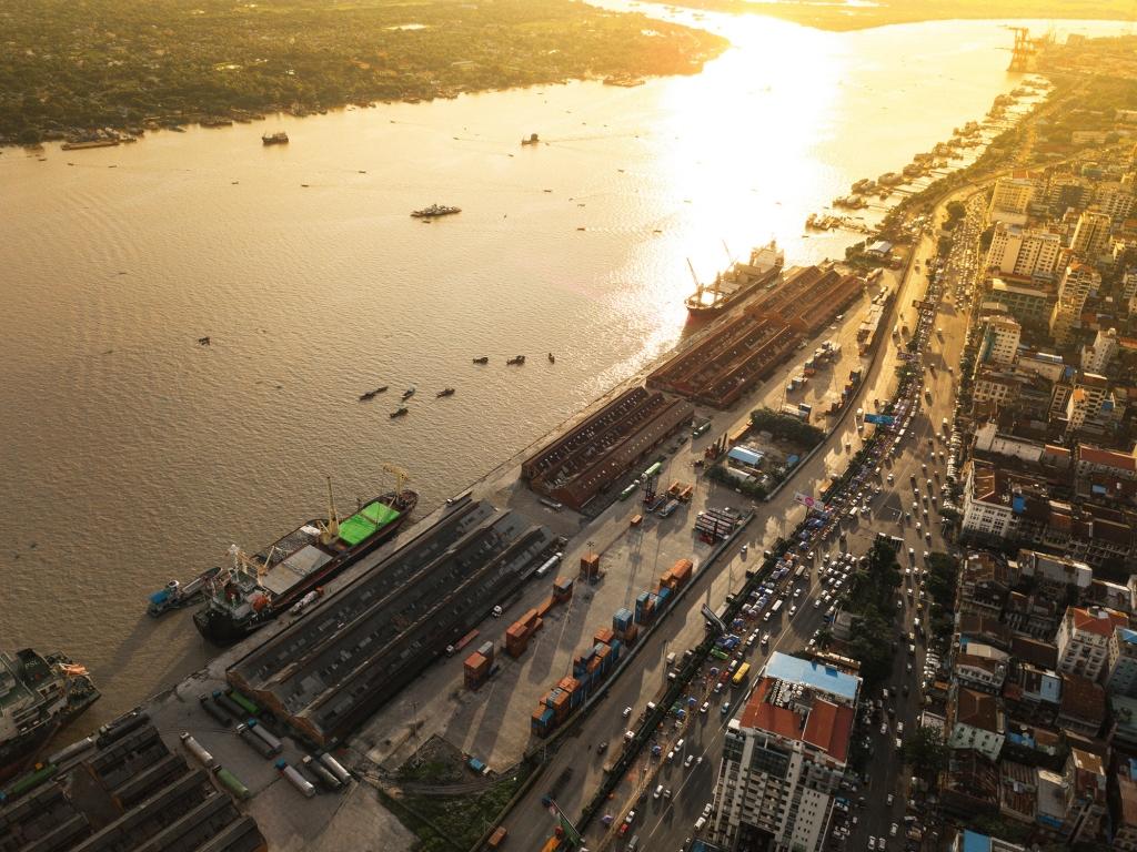 De l'autre côté de la rivière Yangon