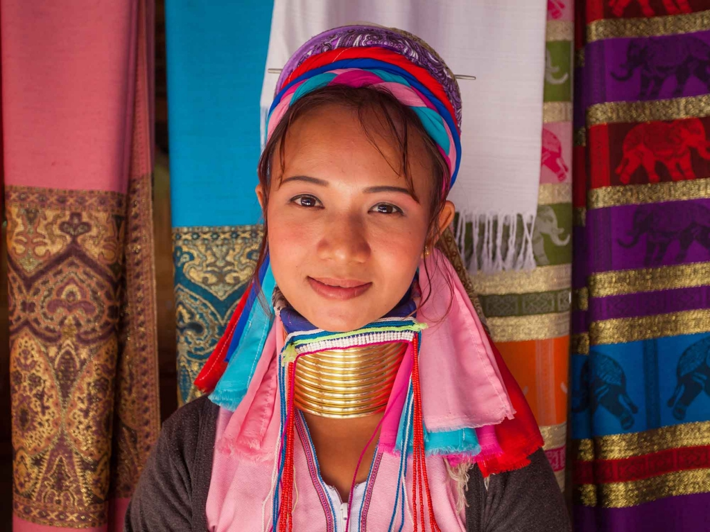 Rencontres des femmes parées de l'état Kayah