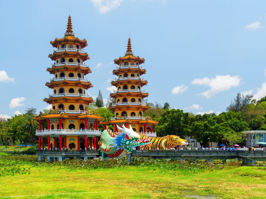 Les pagodes du Dragon et du Tigre de Koahsiung