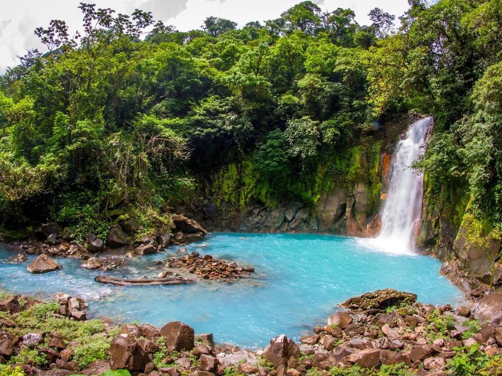 Rio Celeste : une rivière naturelle