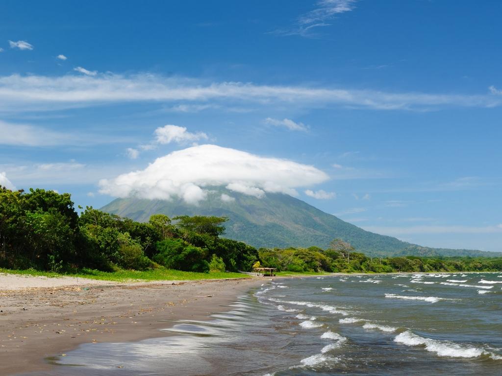 Ometepe, île volcanique perdue dans le lac Nicaragua