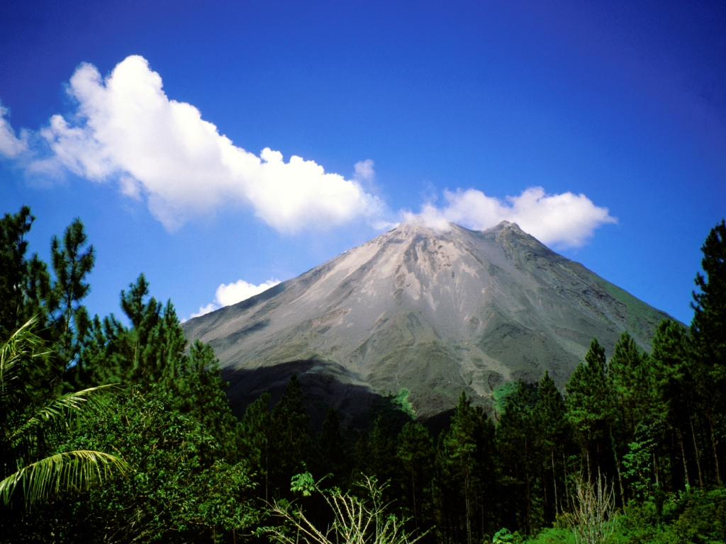 Le majestueux volcan Arenal