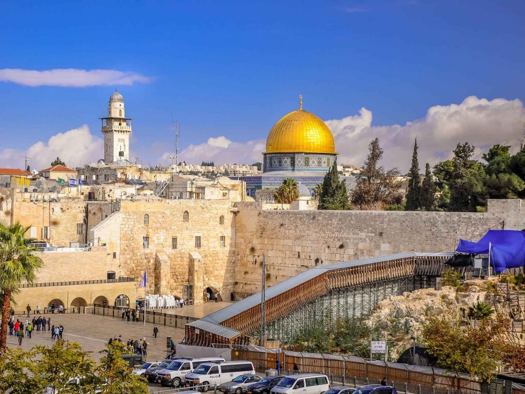 Les vestiges millénaires de la ville trois fois sainte
