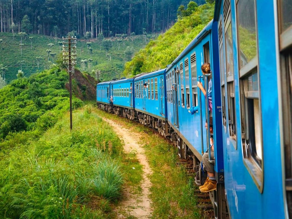 De Kandy à Nuwara Eliya à bord d'un train mythique…