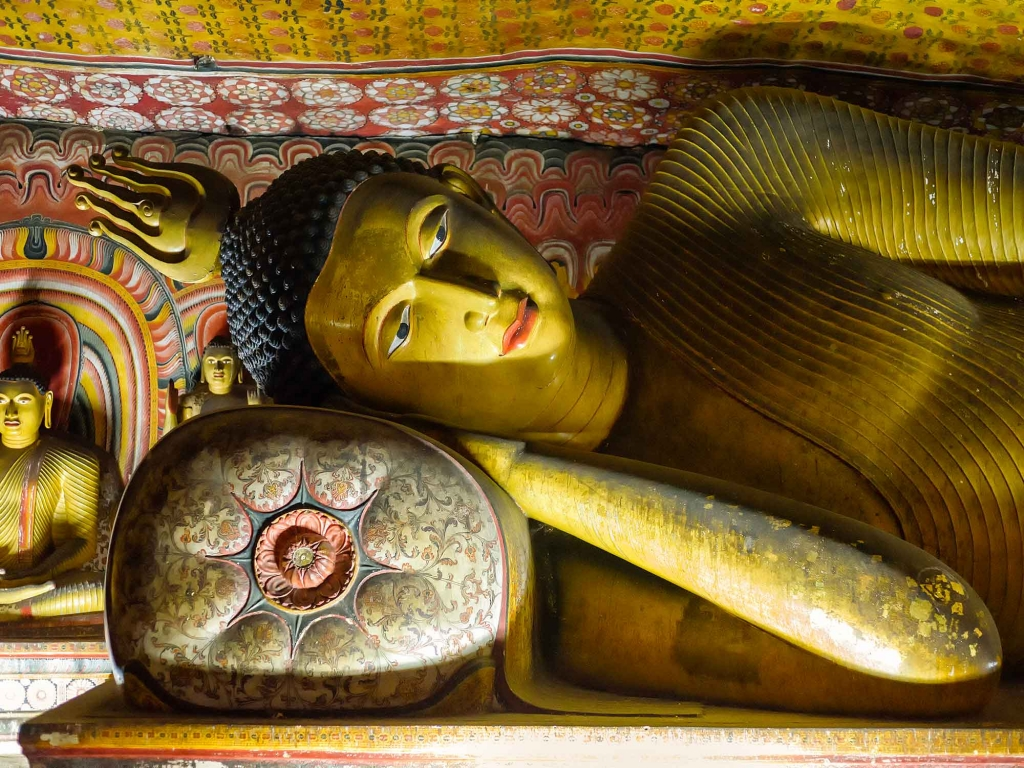 Dambulla : le Bouddha géant veille…