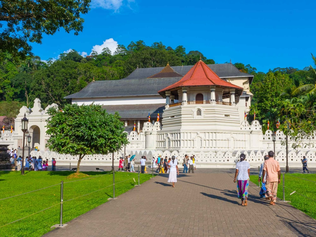 Kandy, temple et traditions