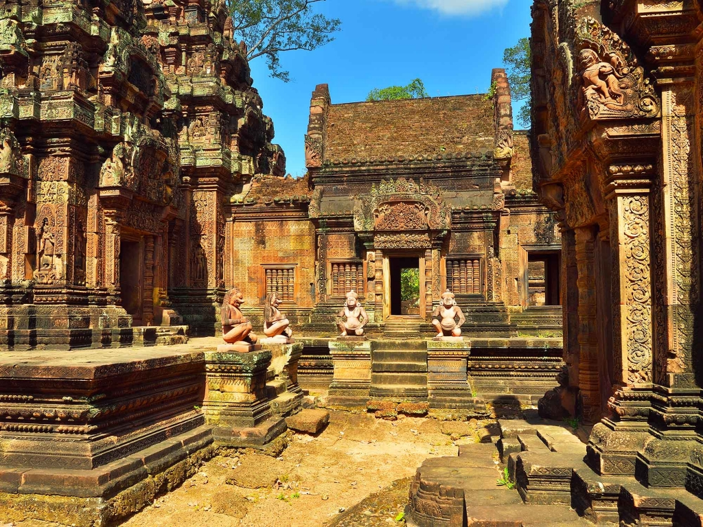 Les premières approches d'Angkor