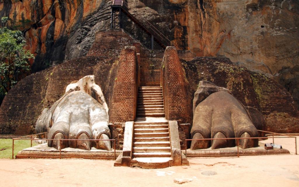 Ascension de la forteresse du Rocher du Lion