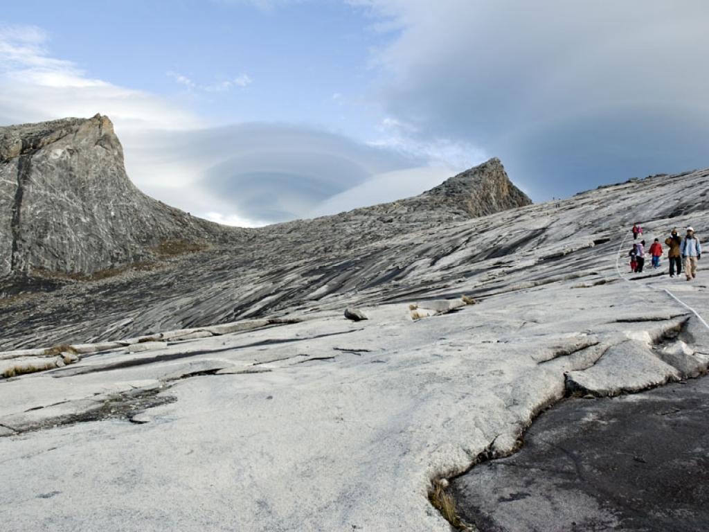 Début de l'ascension du Mont Kinabalu