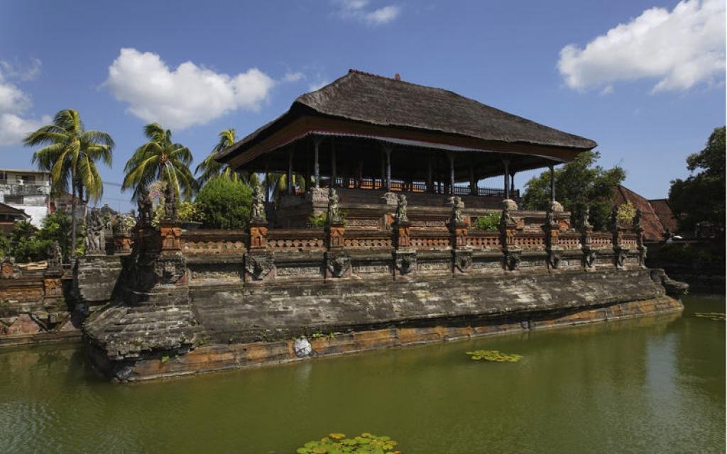 Visite du temple de Besakih, de Klungkung et balade à Sidemen