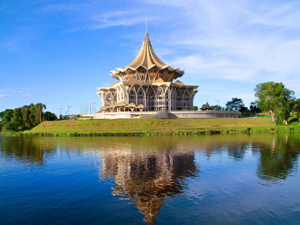 Arrivée à Bornéo et découverte de Kuching