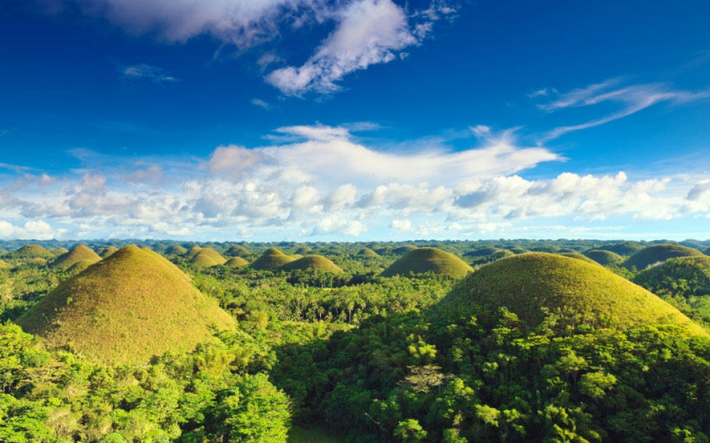 Les Chocolate Hills