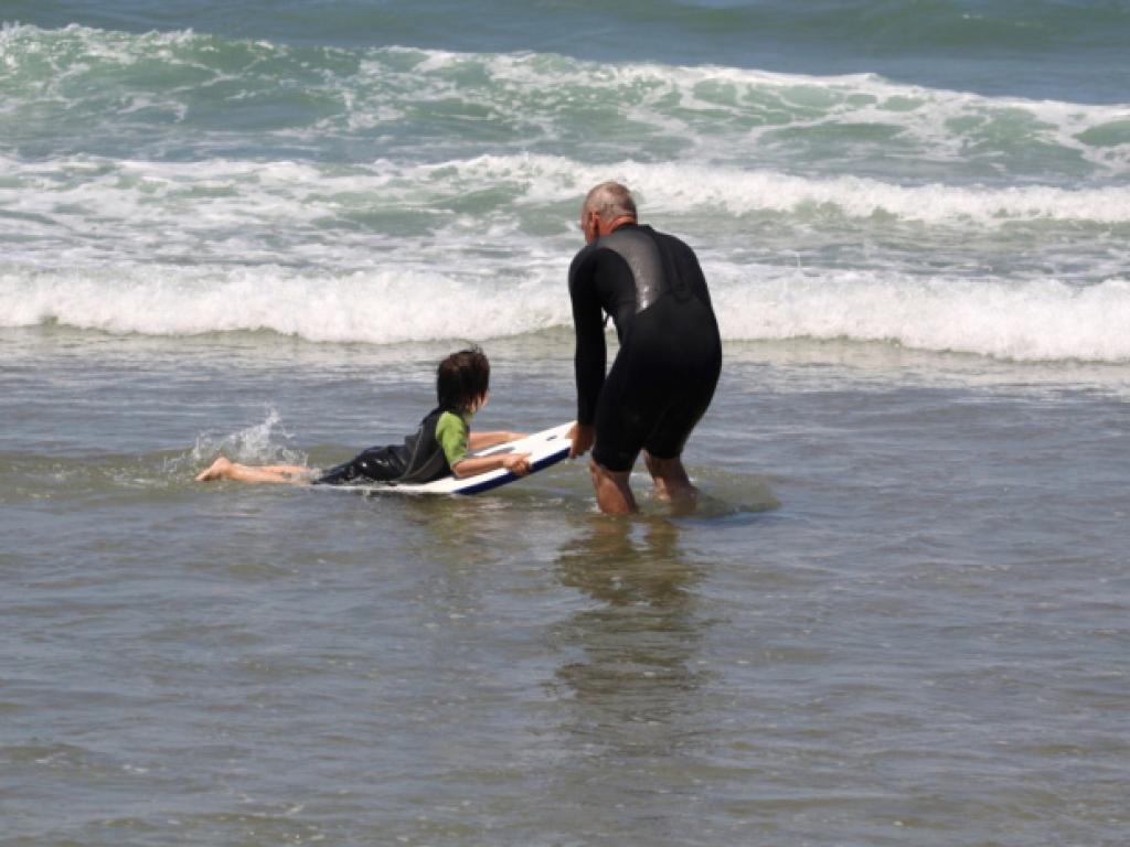 Cours de surf sur la plage mythique de Kuta