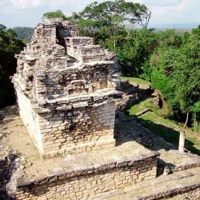 Les vestiges Mayas de la forêt Lancandon