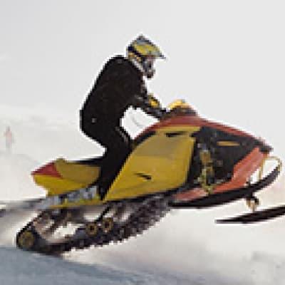 Motoneige sur le glacier Snæfellsjökull