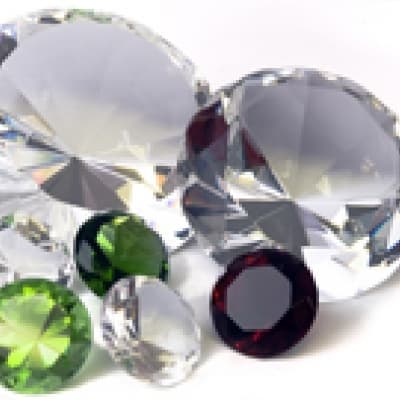Leçon de gemmologie – diamants, perles et jade