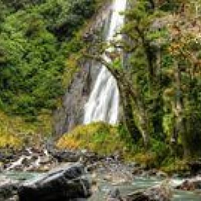 Ascension des Pinnacles dans le parc de Mulu