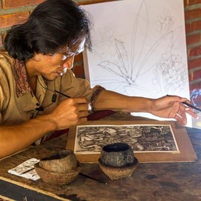 Cours de peinture traditionnelle avec une artiste locale
