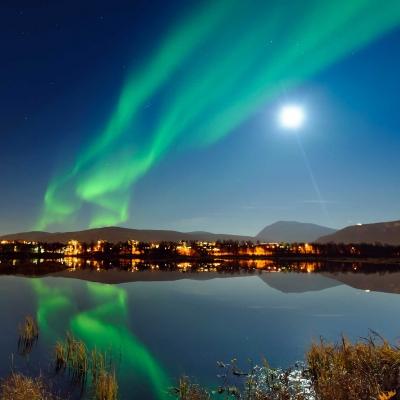 Observation des aurores boréales sur l'ile de Sommarøy