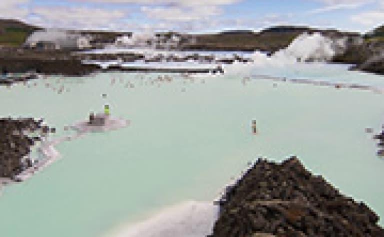Baignade dans le Blue Lagoon