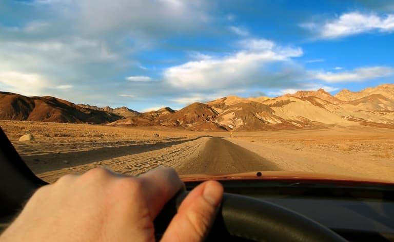 Sur la route du désert du Nevada