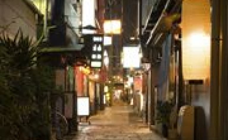 Okonomiyaki cooking class and guided walk in Dotonbori