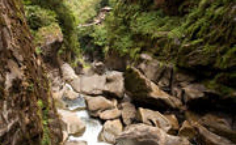 En nacelle au dessus du Rio de Pastaza