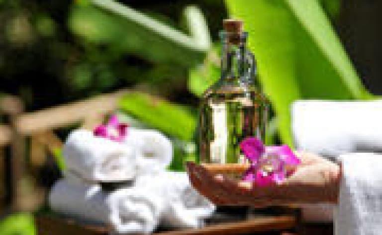 Massage Lao face à la rivière