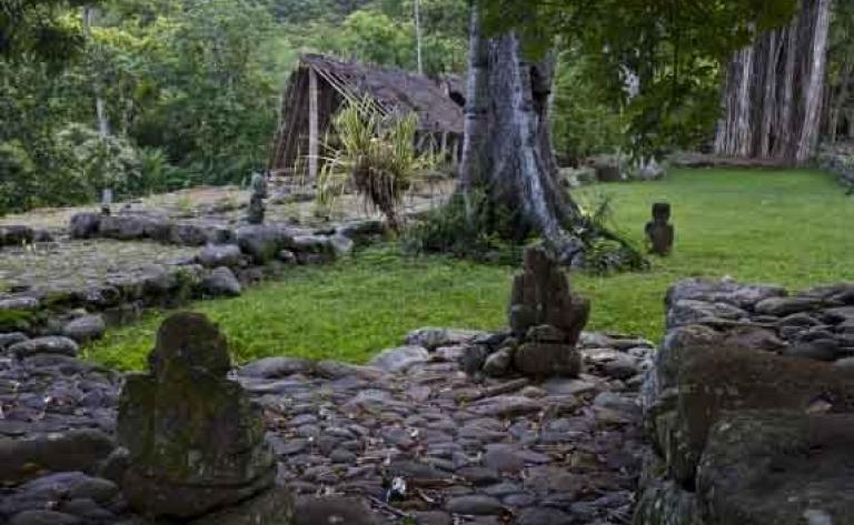 Visite du village de Taiohae & du site Koueva - Demi-journée