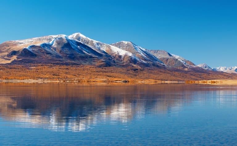 Randonnée équestre sur les rives du lac Oghy